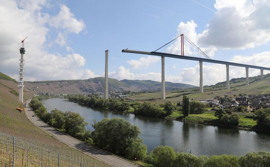 A new incremental launch for the Hochmoselbrücke (High Mosel Bridge)