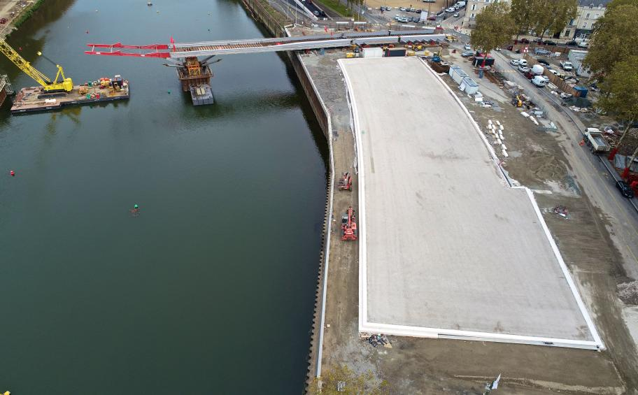 110 metres of highway covering delivered in Angers!