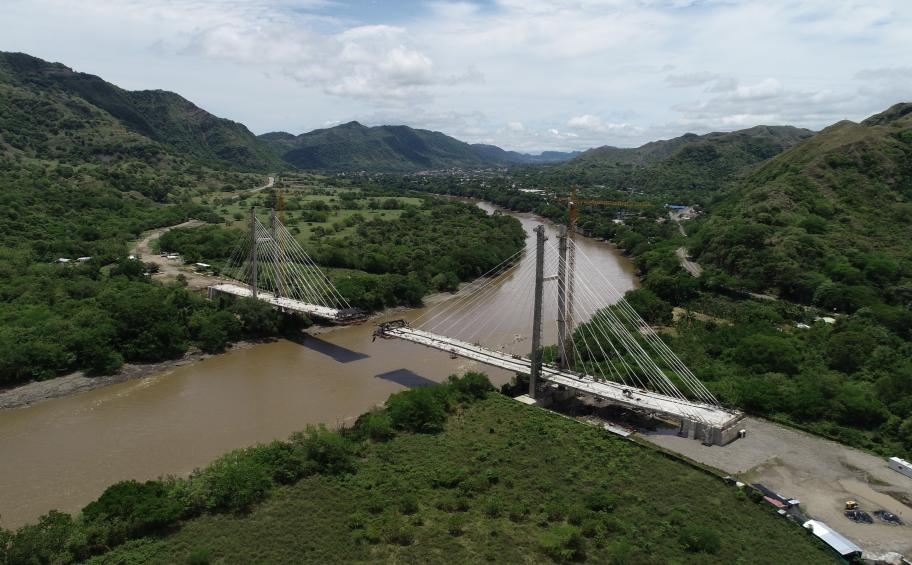 Honda cable-stayed bridge soon to be completed in Colombia