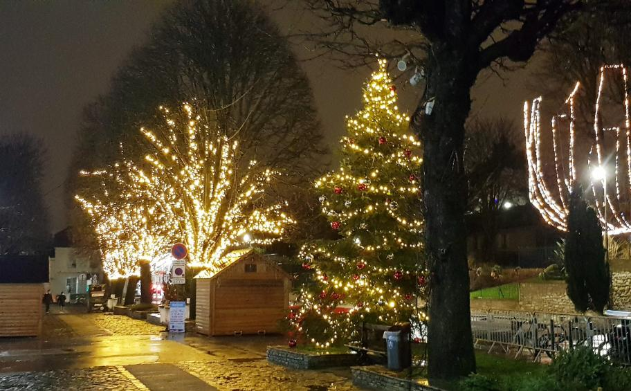 Bry-sur-Marne sparkles with Christmas lights installed by Expercité
